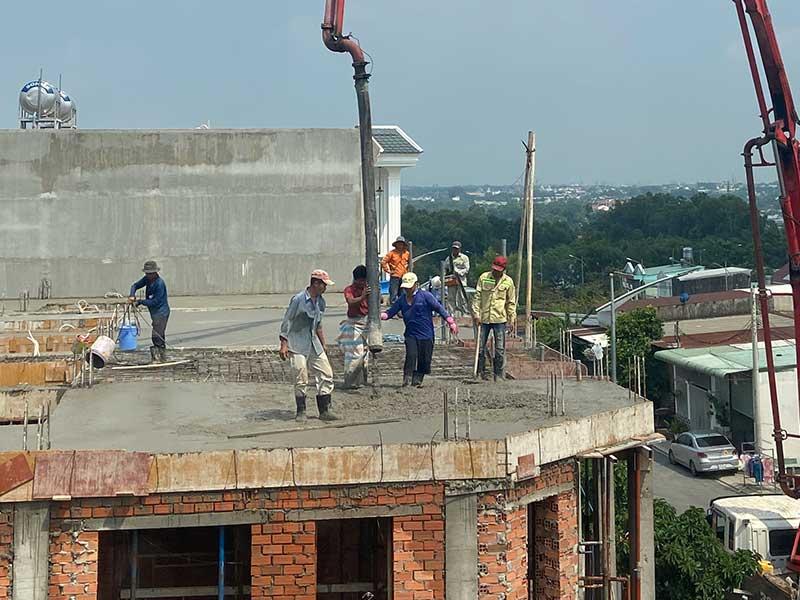 Đẩy nhanh hoàn thiện dự án nhà phố Hoàng Nam 5 Dĩ An